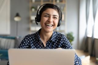 自宅からリモート接続!社内ヘルプデスク対応の効率アップ法